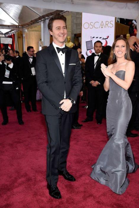 Oscar-2015-Edward-Norton-Shauna-Robertson-501x748