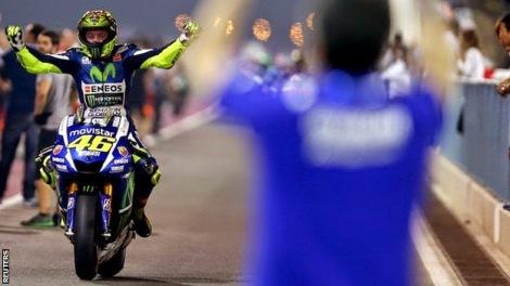 Valentino Rossi wins Qatar MotoGP 2015 3
