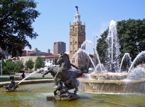 JC_Nichols_Fountain_by_Henri-Léon_Gréber_Kansas_City