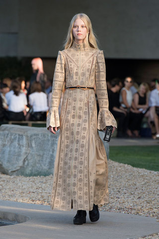 louise-vuitton-cruise-2016-collection-15-320x480