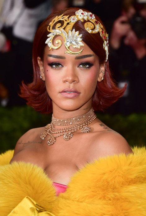 rihanna-hair-makeup-2015-met-gala-met-ball1