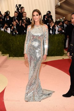Cindy-Crawford-Balmain-Dress-Met-Gala-2016