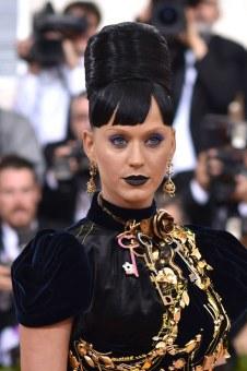 Katy-Perry-Met-Gala-2016-Red-Carpet-Fashion-Prada-Tom-Lorenzo-Site-3